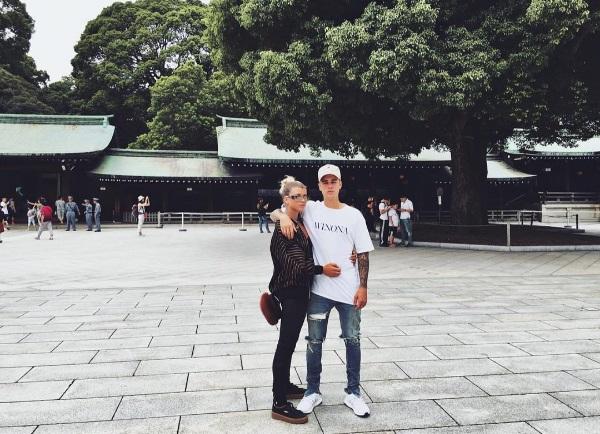 Романтика для двоих: Джастин Бибер замечен со своей новой возлюбленной в Токио