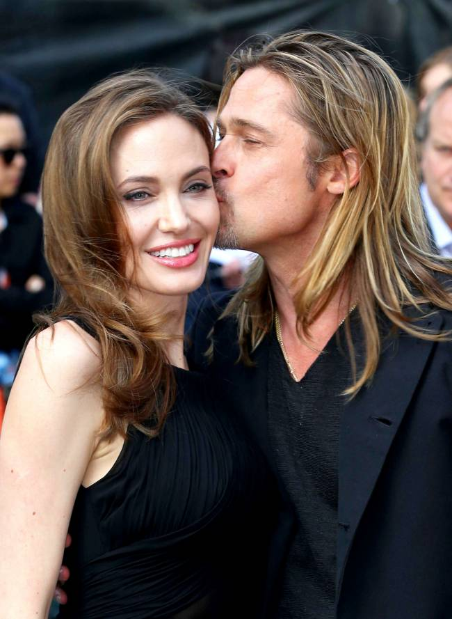 Рианна, Леонардо ДиКаприо, Бритни Спирс и другие звезды рассказали о своем первом поцелуе