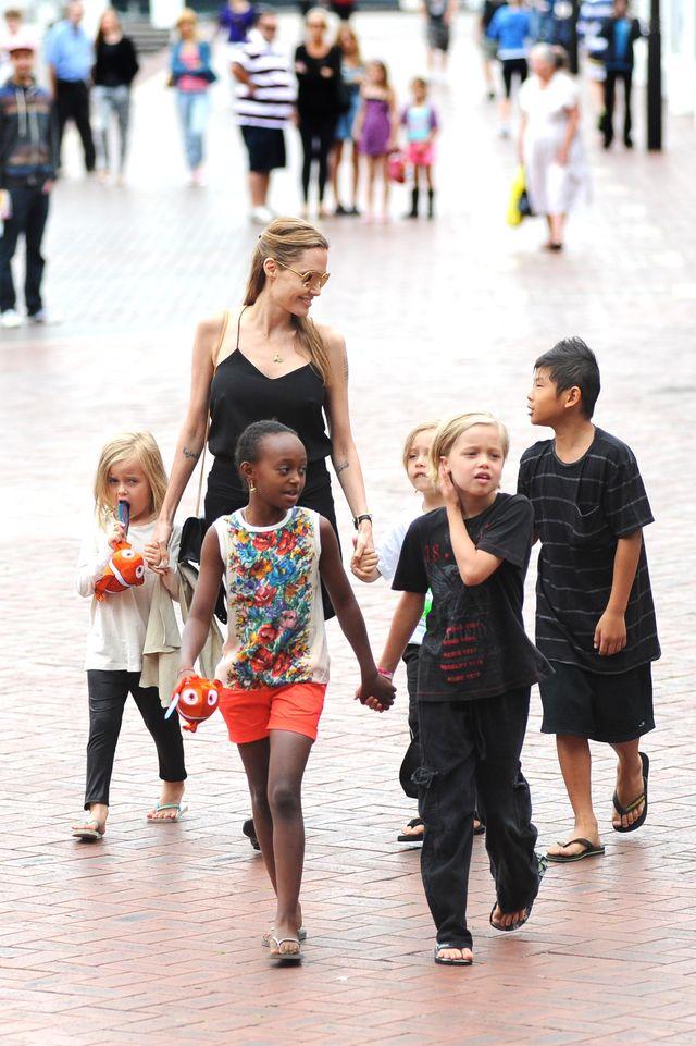 Анджелина Джоли временно получила полную опеку над детьми