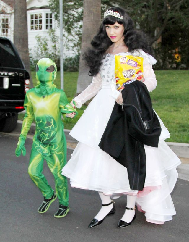 Голливудские звезды отметили Хэллоуин 2013! Начинаем серию подборок самых необыкновенных костюмов!
