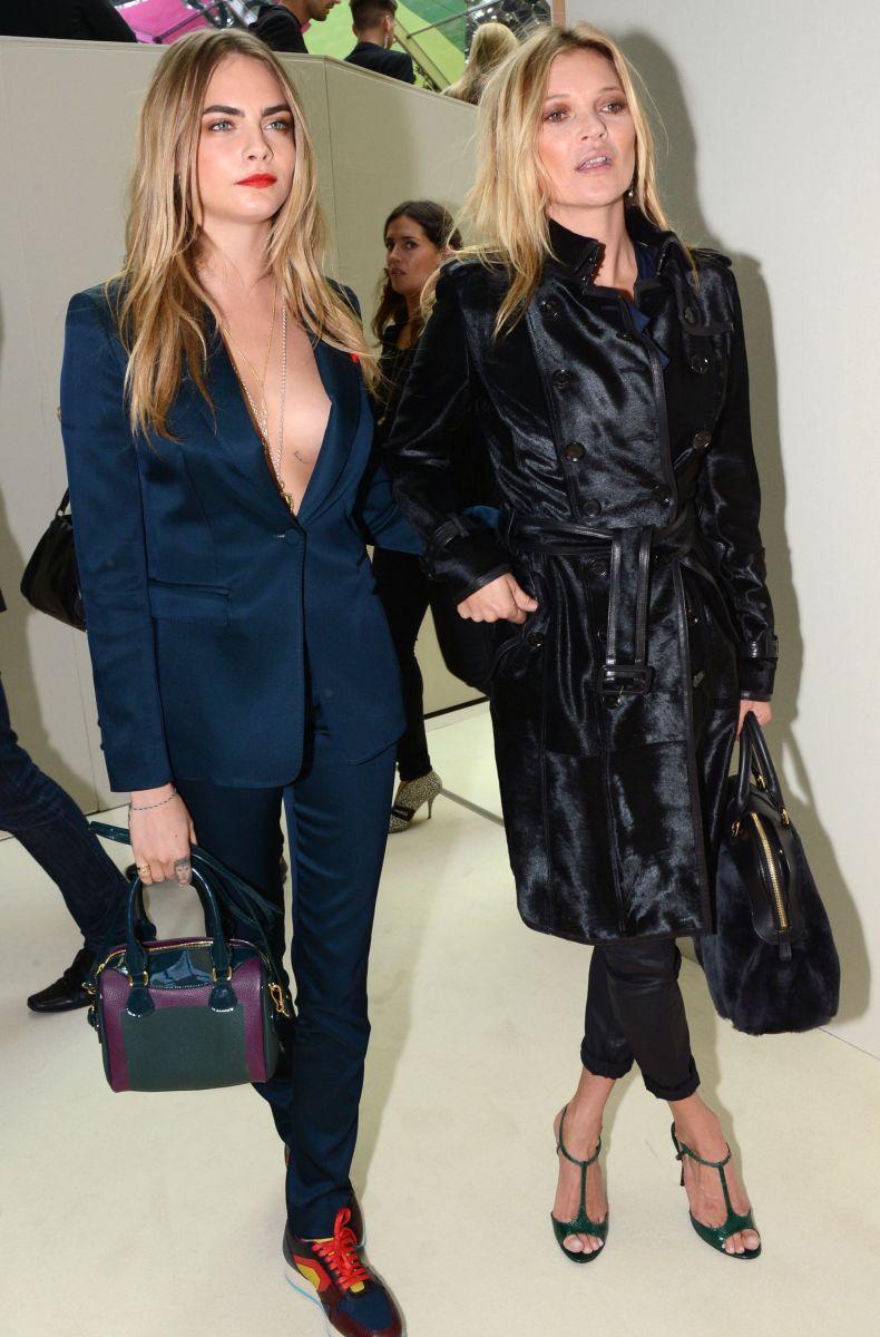 Кара Делевинь и Кейт Мосс на показе Burberry Prorsum