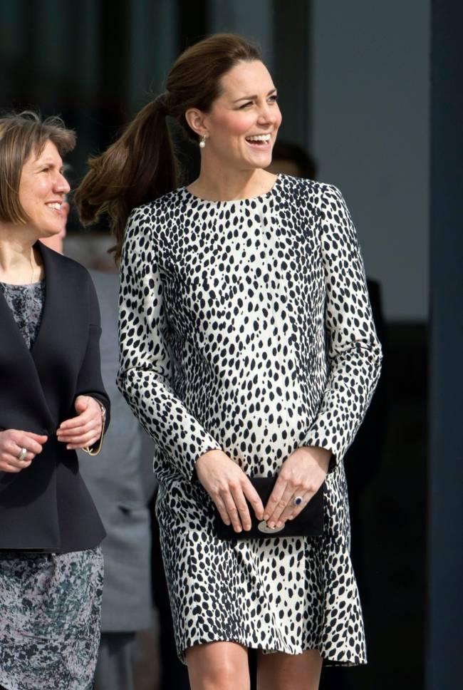 Дважды в одном: Кейт Миддлтон блистает на публике в старом леопардовом наряде