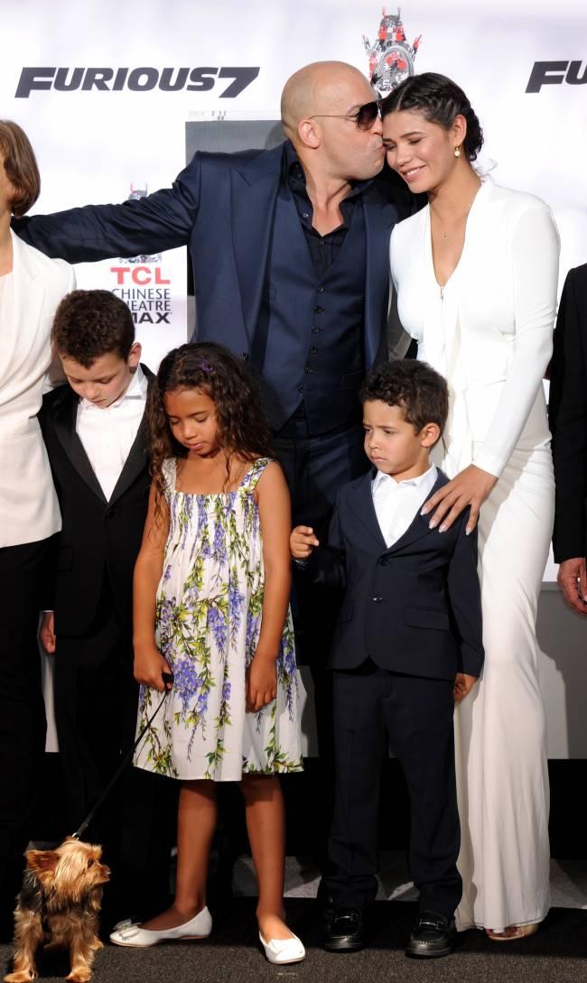 Вин Дизель впервые появился на публике с супругой после рождения дочери