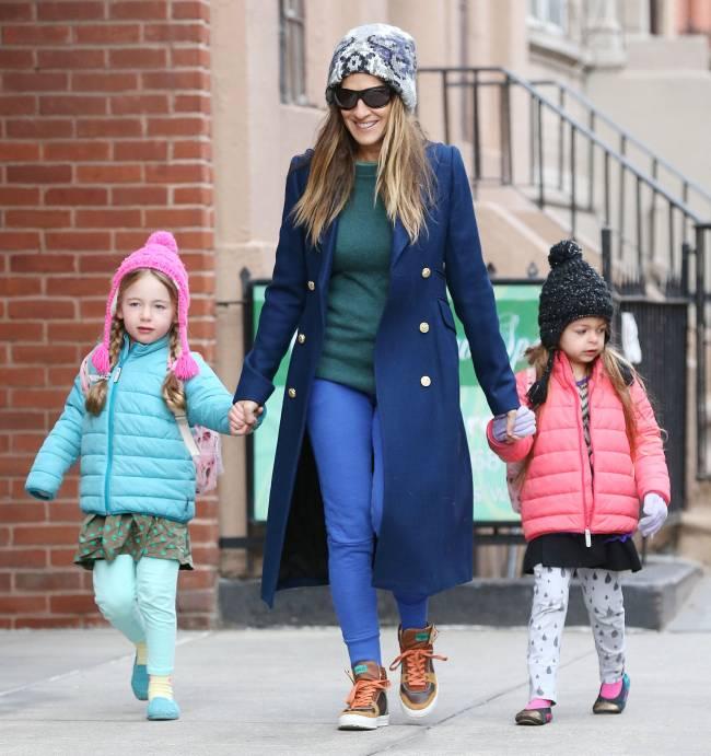 Стильная мамочка Сара Джессика-Паркер показала подросших дочерей