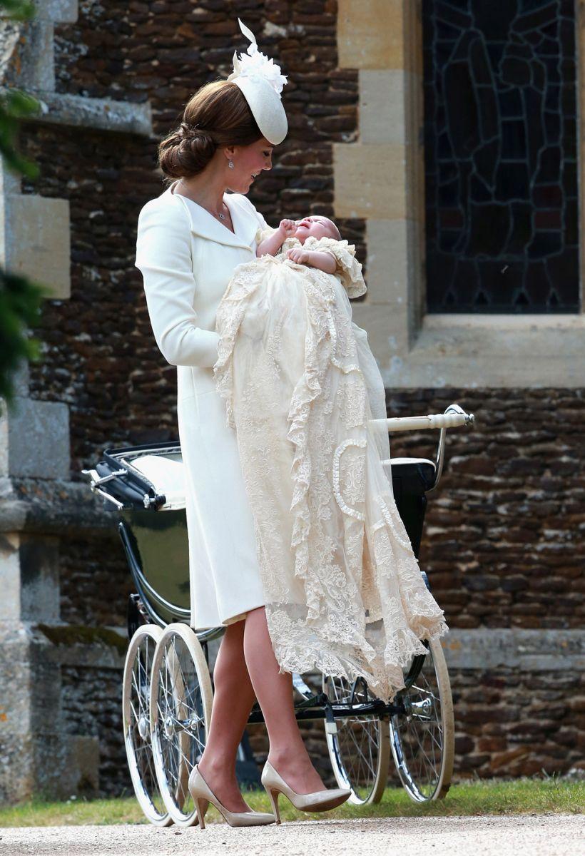 Кейт Миддлтон и принц Уильям крестили дочь