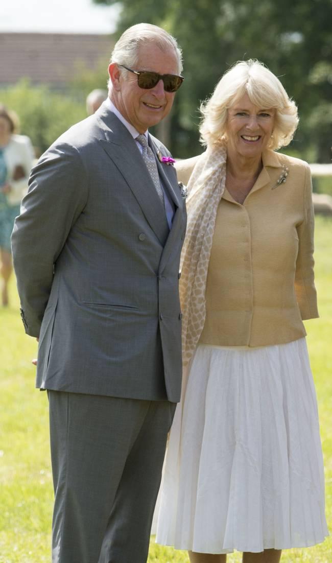 Неожиданно: принц Чарльз отпразднует 67-летие на пляже с любимой женщиной