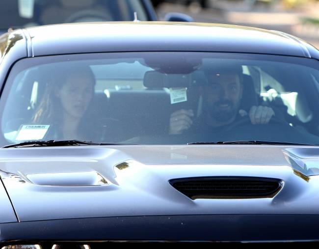 Звездное примирение: Бен Аффлек и Дженнифер Гарнер гуляют вместе после развода
