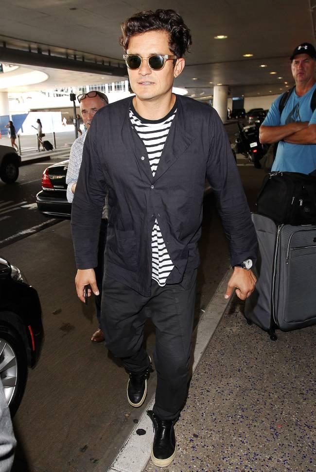 Невозможно устоять: Орландо Блум покоряет ослепительной улыбкой в Лос-Анджелесе