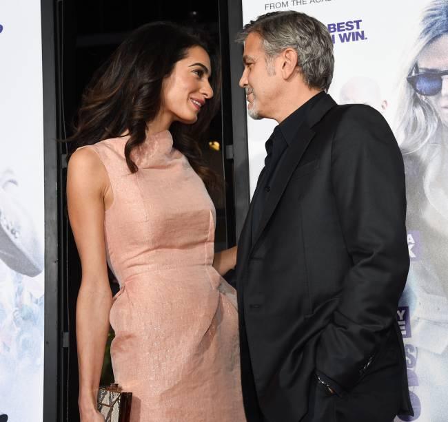 У них будет двойня: о беременности Амаль Клуни заговорили в прямом эфир