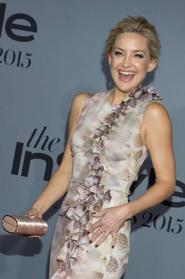 Цветущая красота: счастливая и прекрасная Кейт Хадсон блистает на красной дорожке
