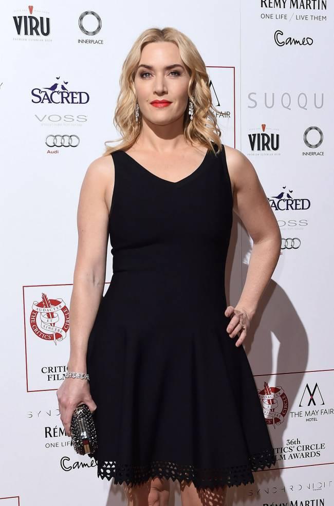 Словно девочка: 40-летняя Кейт Уинслет блистает на публике в мини-платьице