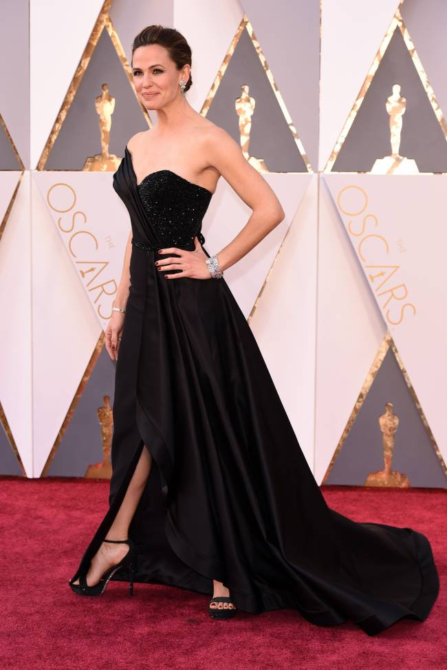 """Самые элегатные: Леди Гага, Дженнифер Гарнер, Кейт Бланшет и другие звезды на церемонии """"Оскар"""""""