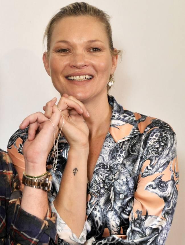 Естественная красота: Кейт Мосс появилась на Неделе моды без макияжа