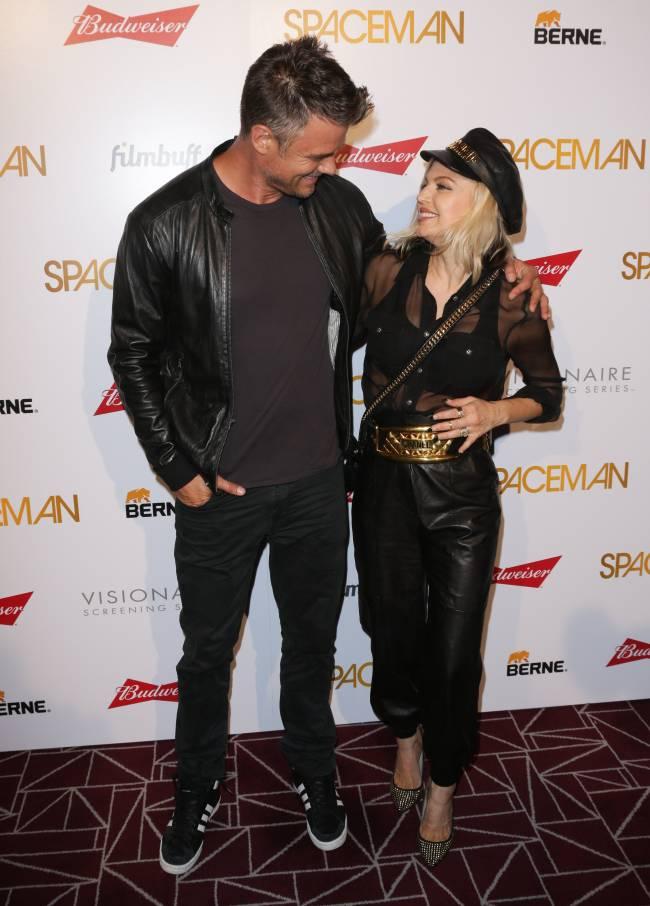 Стильный выход: Джош Дюамель и Ферги блистают на премьере в Лос-Анджелесе