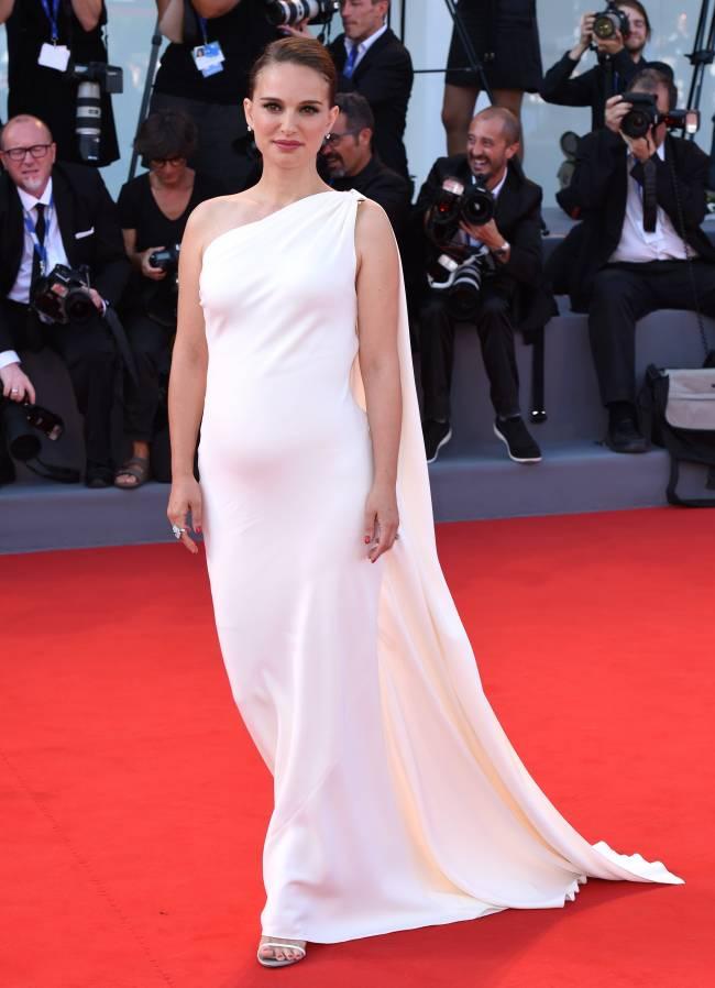 Фотофакт: Натали Портман беременна во второй раз