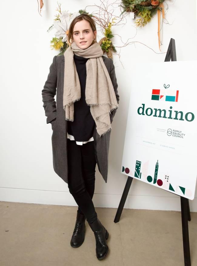 Тепло и стильно: Эмма Уотсон продемонстрировала великолепный осенний наряд