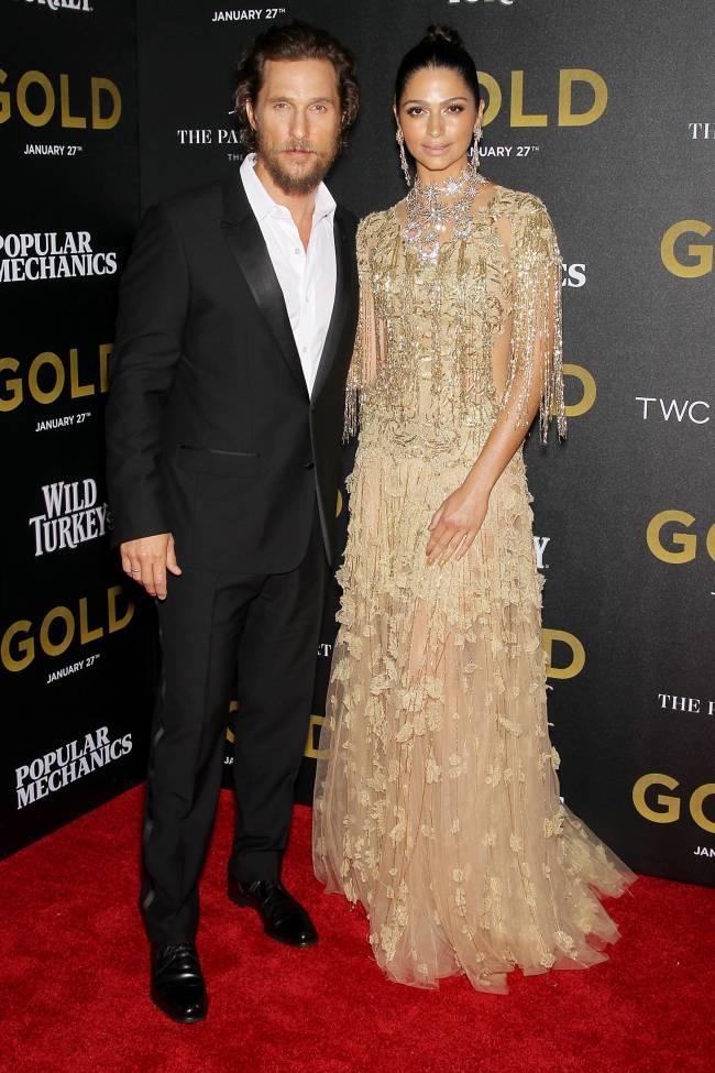 Золотая пара: Мэттью Макконахи с красавицей-женой Камиллой Алвес блистают на кинопремьере