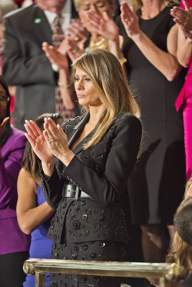 Мелания Трамп появилась на публике в костюме за 10 тысяч долларов