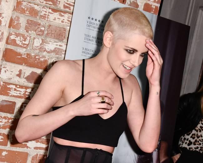 Почти лысая: Кристен Стюарт шокировала поклонников новой стрижкой