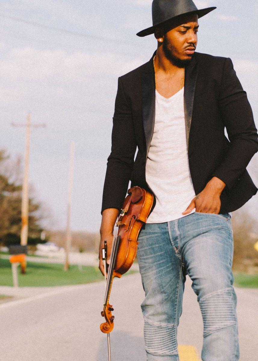Впервые в Киеве всемирноизвестный скрипач из Нью-Йорка Damien Escobar