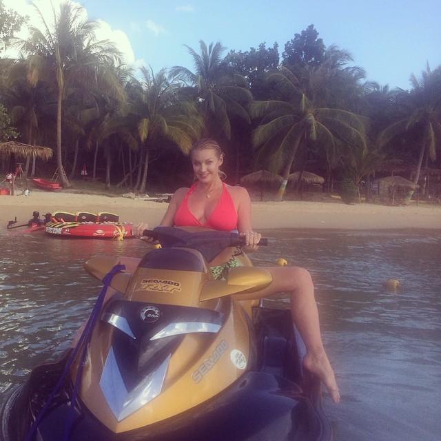 Анастасия Волочкова в Таиланде