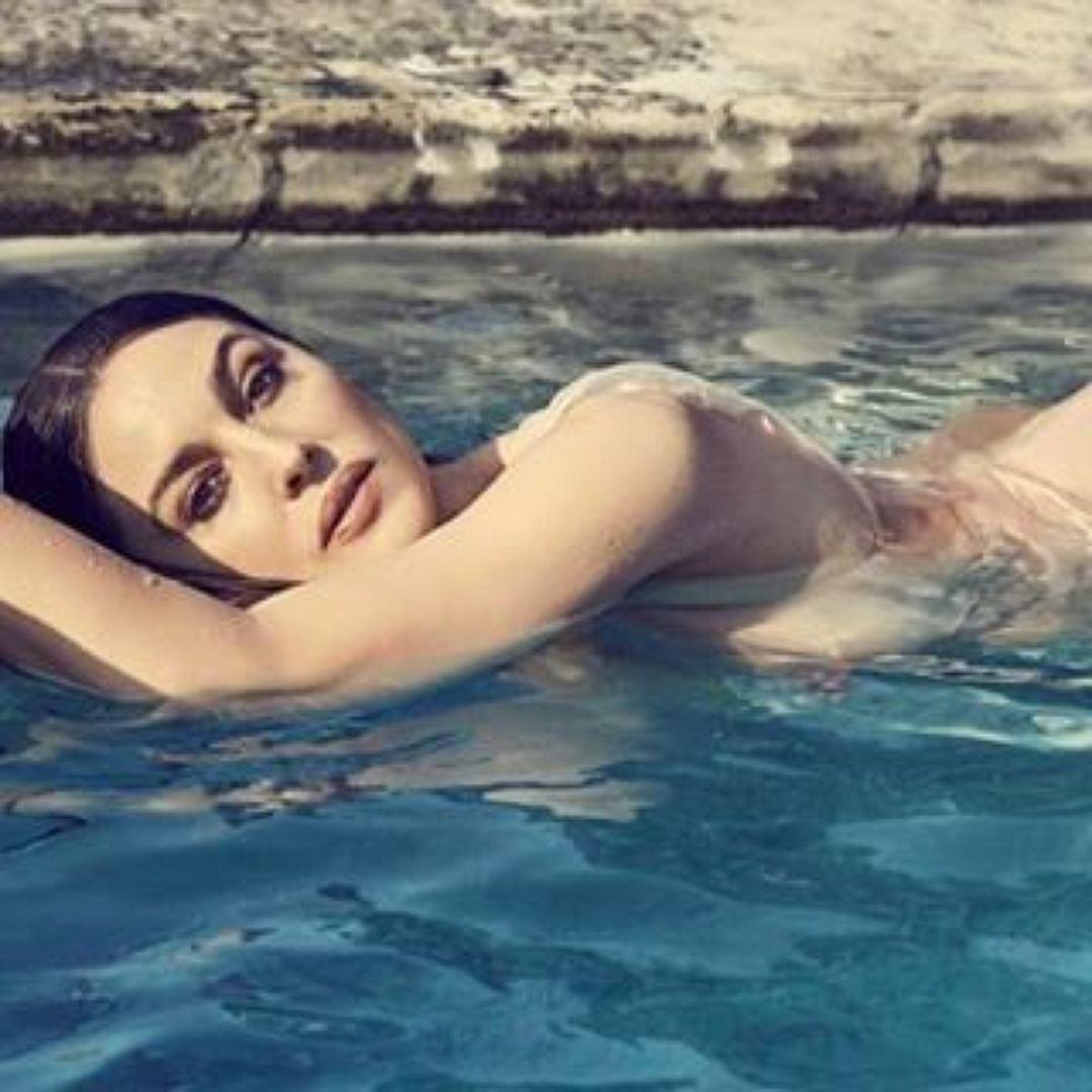Моника Белуччи снялась обнаженной для популярного французского журнала